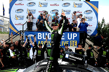 Kyle Busch Wins at Dover