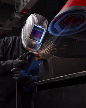 Tips for Choosing the Right Auto-Darkening Welding Helmet