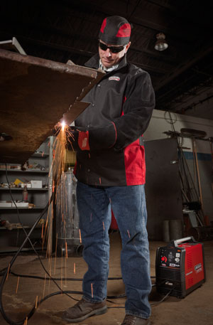 Working with Tomahawk 375 Air Plasma Cutter
